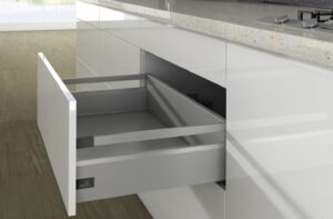 Ray hộp Innotech Atira cao 144mm màu bạc