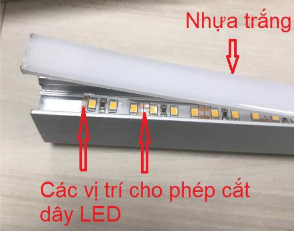 Đèn LED thanh treo quần áo Imundex 7608000-005  3